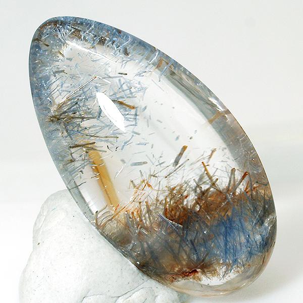 minerales- gema: dumortierita en cuarzo